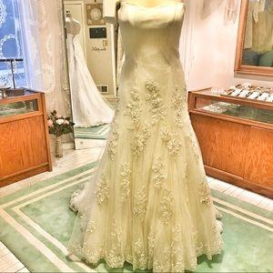 Dresses & Skirts - PRETTY Lace Wedding 👗